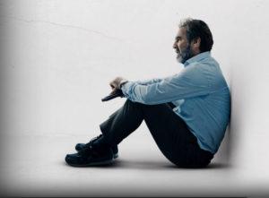 Ο Ερίκ Καντονά πρωταγωνιστεί στη νέα καταπληκτική γαλλική σειρά «Απάνθρωποι Πόροι» του NETFLIX