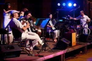 Βραδιά Tango από τους Locos De Atar στο Μύλο open air Βαβυλωνία