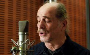 """Βασίλης Πρατσινάκης: """"Η Τέχνη και το τραγούδι έχει πληγεί ανεπανόρθωτα"""""""