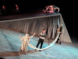 Κριτική για την παράσταση «Βάκχες» σε παραγωγή του Σταμάτη Μουμουλίδη